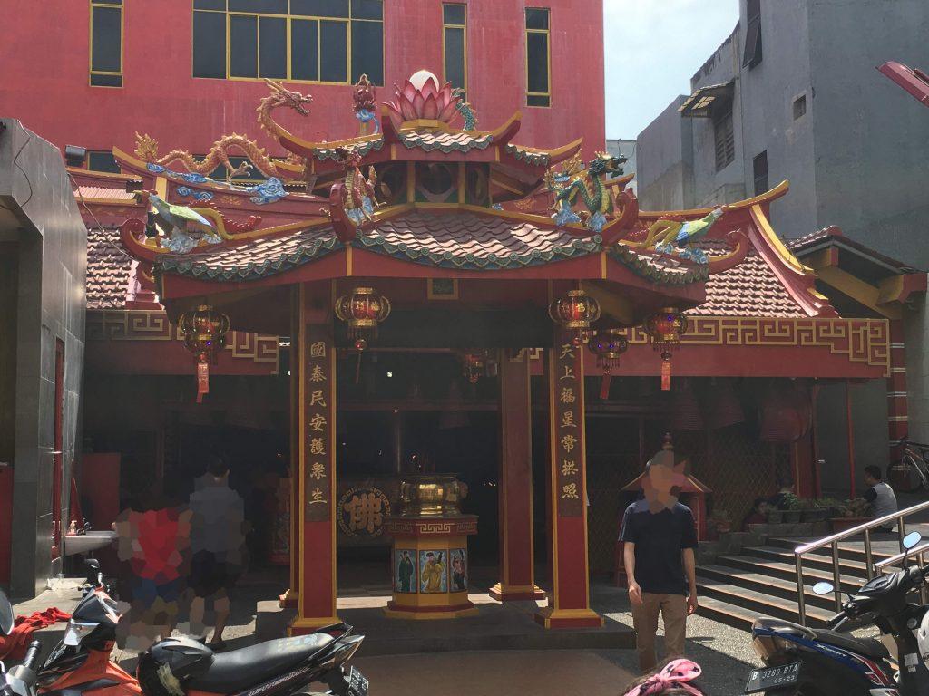 インドネシア、ジャカルタ北部。中華街にある大小様々な中国寺院