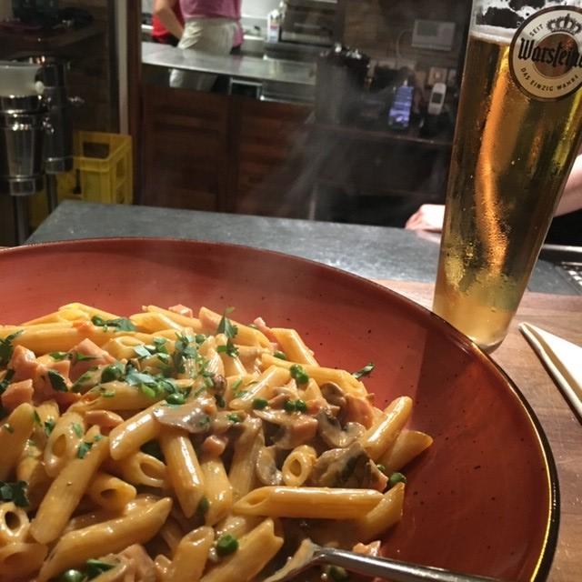 ドイツ、フュッセンで食べたパスタとビール