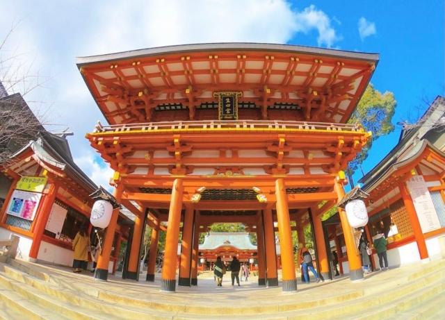 兵庫県、生田神社の入口