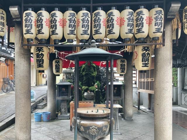 大阪府、浄土宗天龍山法善寺横丁