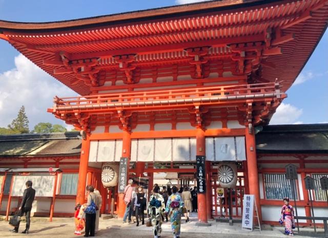 京都府、下鴨神社の外観