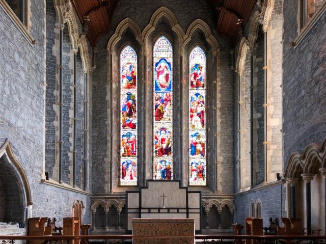 アイルランド、聖カニス大聖堂のステンドグラス