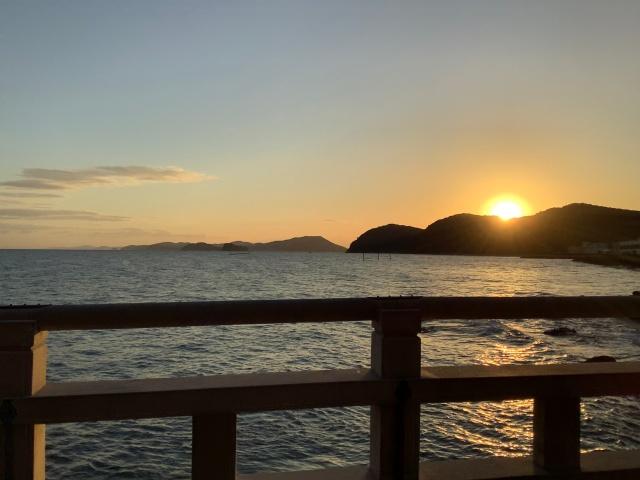 三重県、二見興玉神社で見る日の出