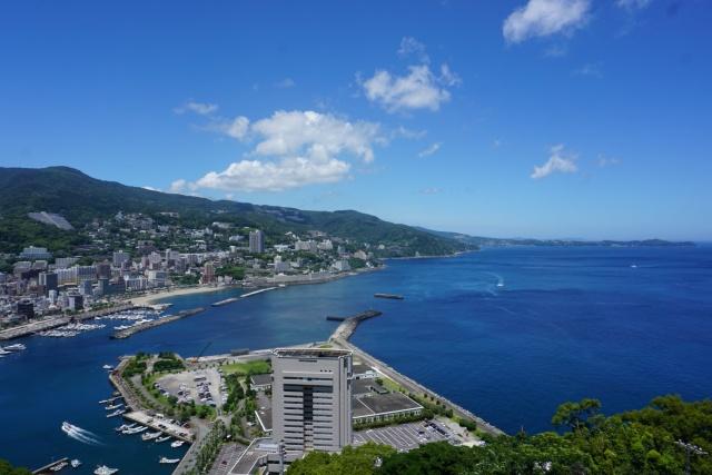 静岡県、熱海城から見る海岸